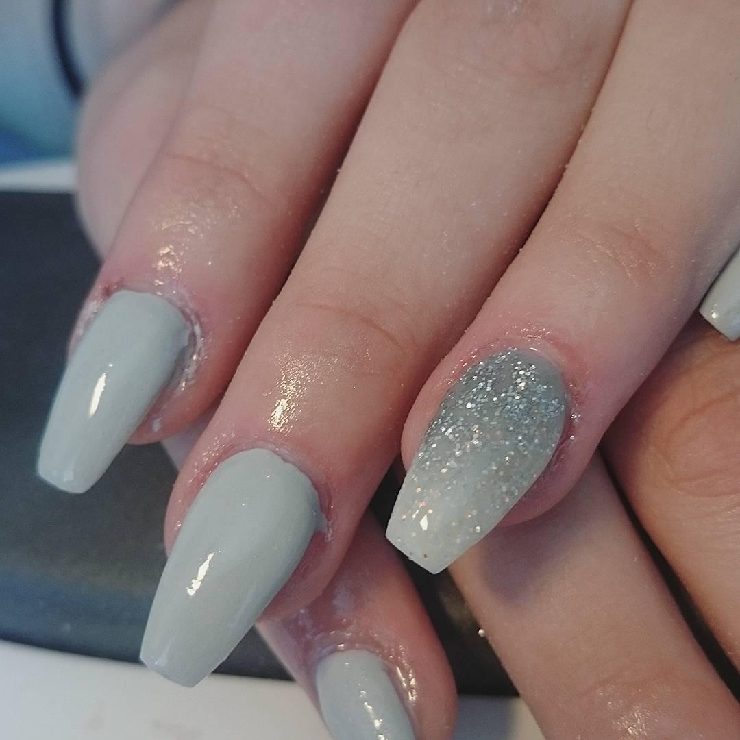naglar glitter fade