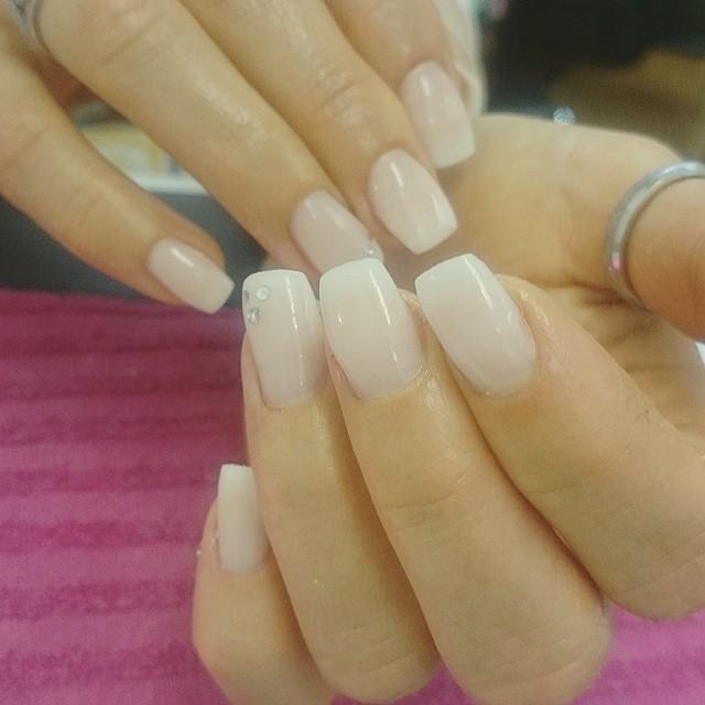 naturliga naglar