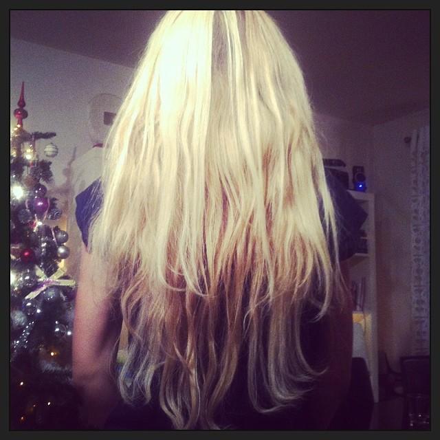 Nyårshår med weaving @bygganaglar #hår #hair #hairextensions #hårförlängning #love #längrehår #longhair #extensions #elaofsweden #salong #salongque #salongbygganaglar #blond #weaving #keratin #remy #löshår #brasilianskt #indiskt #kis